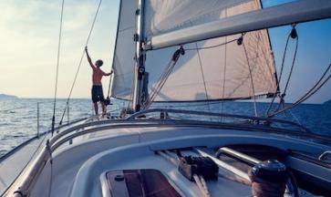 I principali benefici di una vacanza in barca a vela